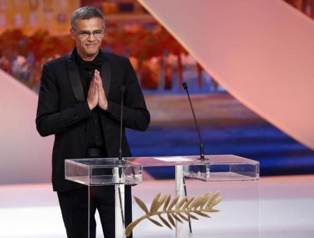 المخرج الفرنسي من أصل تونسي عبد اللطيف كشيش خلال حفل توزيع جوائز مهرجان كان - أرشيف رويترز